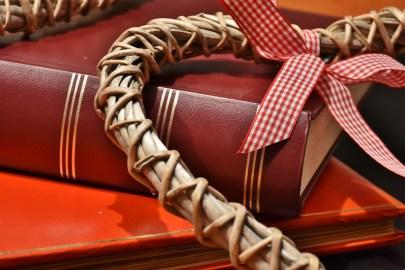 book-1222774_1280