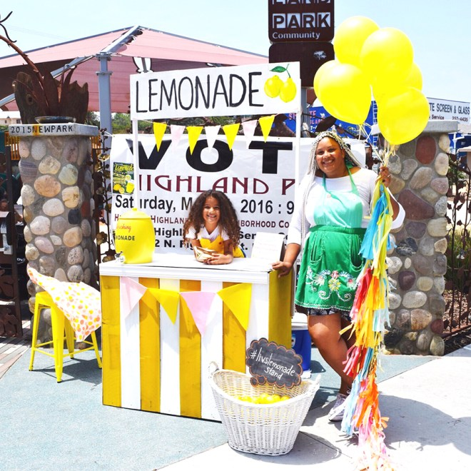 mom lemonade stand