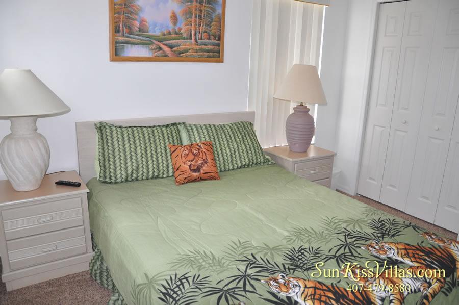 Disney Palm Vacation Home Rental - Queen Bedroom