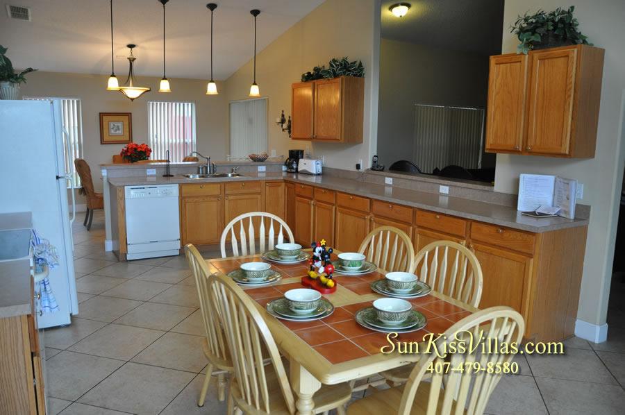 Orlando Villa Rental Near Disney - Keystone - Kitchen and Breakfast