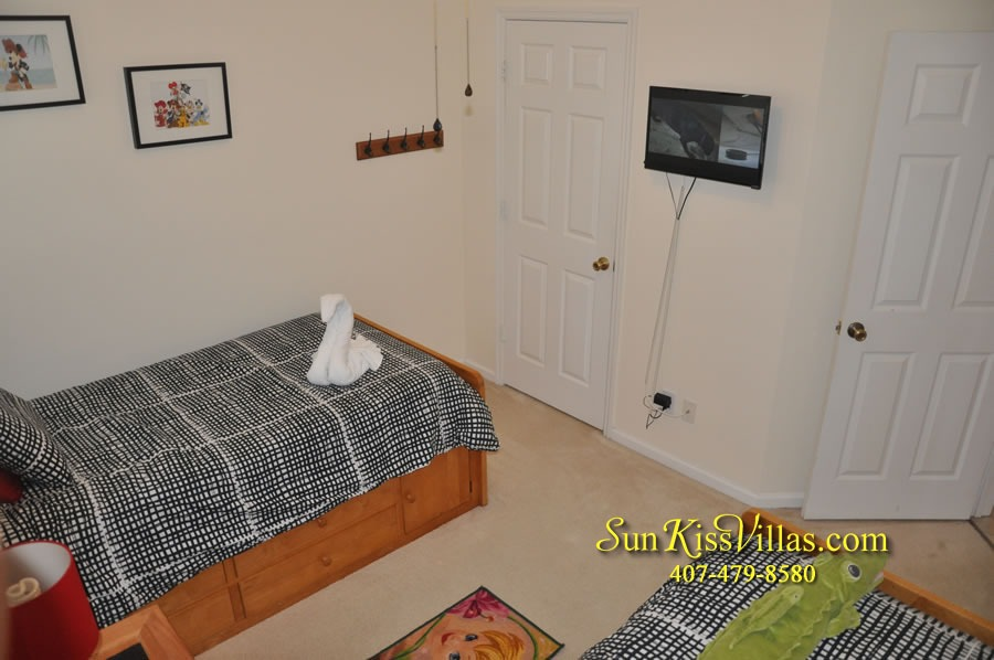 Disney Vacation Rental Home - Mickey's Cottage - Twin Bedroom