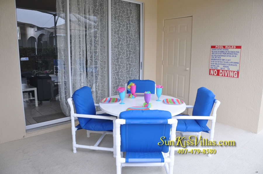 Disney Vacation Rental Home - Mickey's Cottage - Covered Lanai