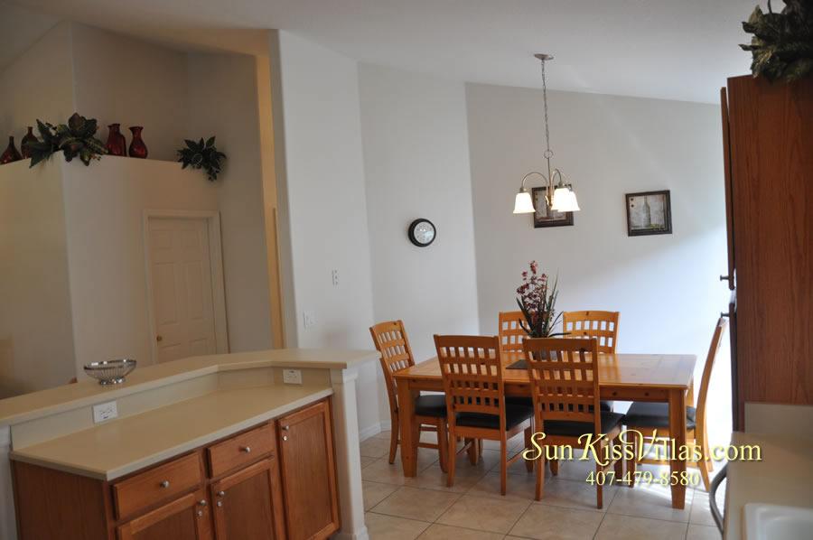 Orlando Disney Vacation Rental Solana - Pelican Point - Kitchen and Breadfast