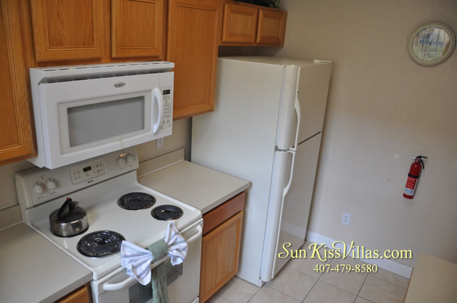 Disney Orlando Vacation Townhouse Rental - Quiet Cove - Kitchen