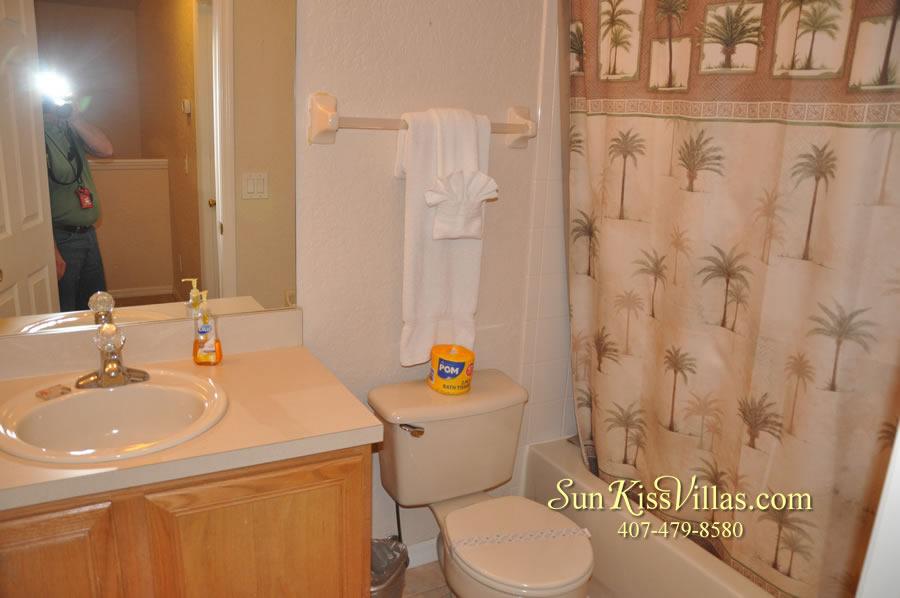 Disney Orlando Vacation Townhouse Rental - Quiet Cove - Bathroom