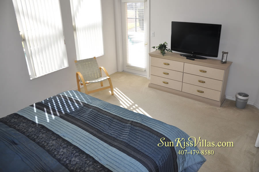 Vacation Home Rental Near Disney World - Sapphire Blue - Master Bedroom