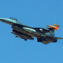 F-16; photo by Allan Levy.