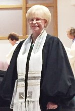 Sun Lakes Jewish Congregation Choir Director Lana Shagrin Oyer