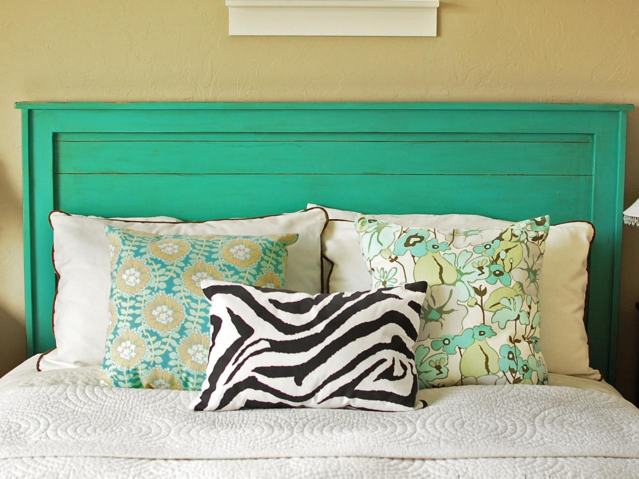 Gorgeous DIY Headboard Ideas That Are Easy And Cheap ... on Cheap Bed Ideas  id=67166
