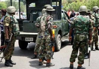Ondo: Soldiers arrest suspected kidnapper with army uniform