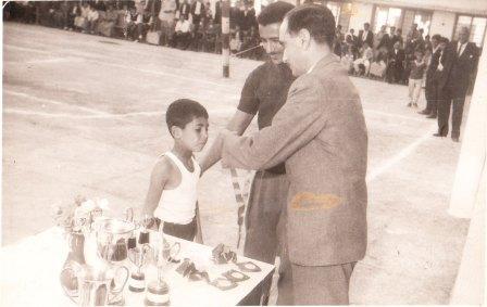 الطالب الشاطر/ صورة قديمة للدكتور طه الدليمي