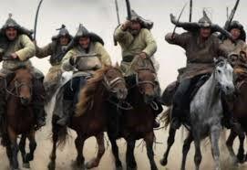 صورة حقيقة إتلاف المغول لمكتبات بغداد ورميهم الكتب في نهر دجلة