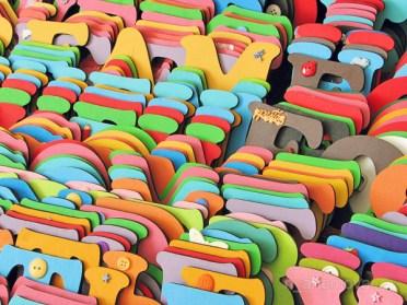 Использование букв и слов в интерьере via sunniest.ru - decorshop деревянные буквы