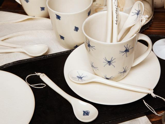 baileydoesntbark-blue-bugs-spoon-bee