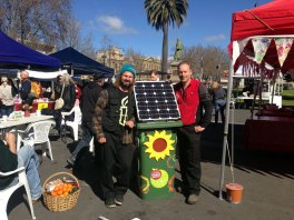 Pete Strong from Sunny Bins with Chris Corr from the Bendigo Farmers Market at the launch