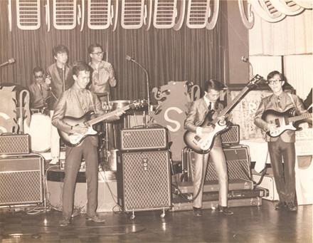Various – Recollecting Singapore 60s : Asian Sixties Garage Psych Pop Folk Beat Rock Music Bands Album Compilation