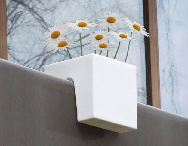 Έξυπνες ιδέες μπαλκονιού με έπιπλα και γλάστρες για εξοικονόμηση χώρου2