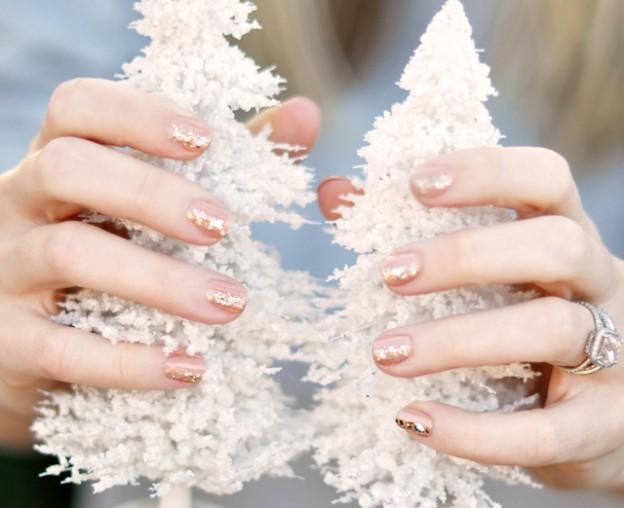 Χαριτωμένες DIY Ιδέες τέχνης νυχιών για τα Χριστούγεννα9