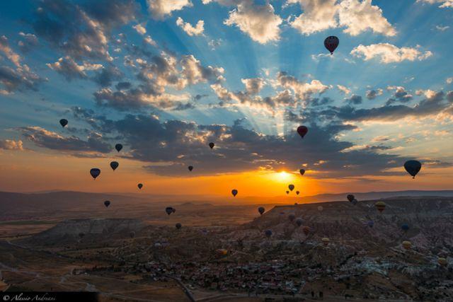 Αερόστρατα πάνω από την Καππαδοκία