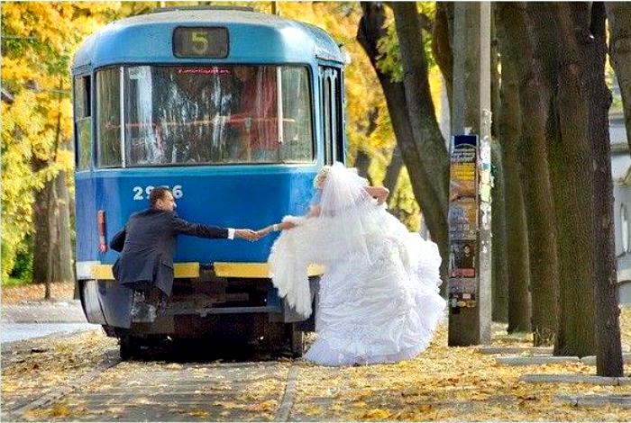 πρωτότυποι τρόποι για να πάει μια νύφη στο γάμο17