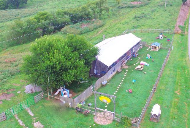 Sunny Day Puppies Kennel Barn & Play Yard