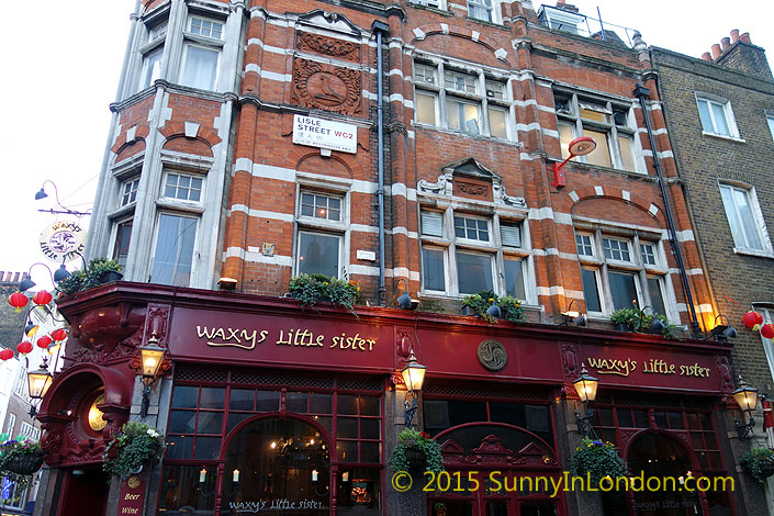 irish-pubs-in-london-piccadilly-circus-pub-crawl