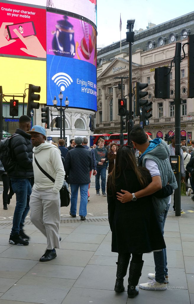 Best Places to Take a Selfie in London Piccadilly Circus