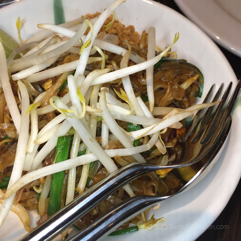 the-mango-tree-christmas-menu-london-2016-belgravia-pad-thai
