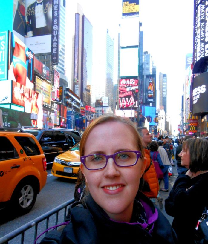 Sunny Jouneys alone in New York