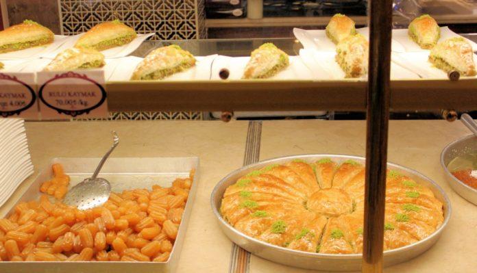Baklava Güllüoğlu Istanbul restaurants