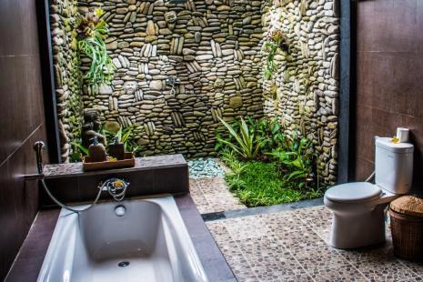 Pajar House Ubud Open-Air Badezimmer