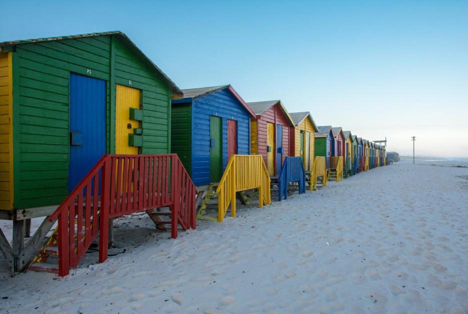 Muizenberg Haeuser Strand Sehenswürdigkeiten Kapstadt und Umgebung