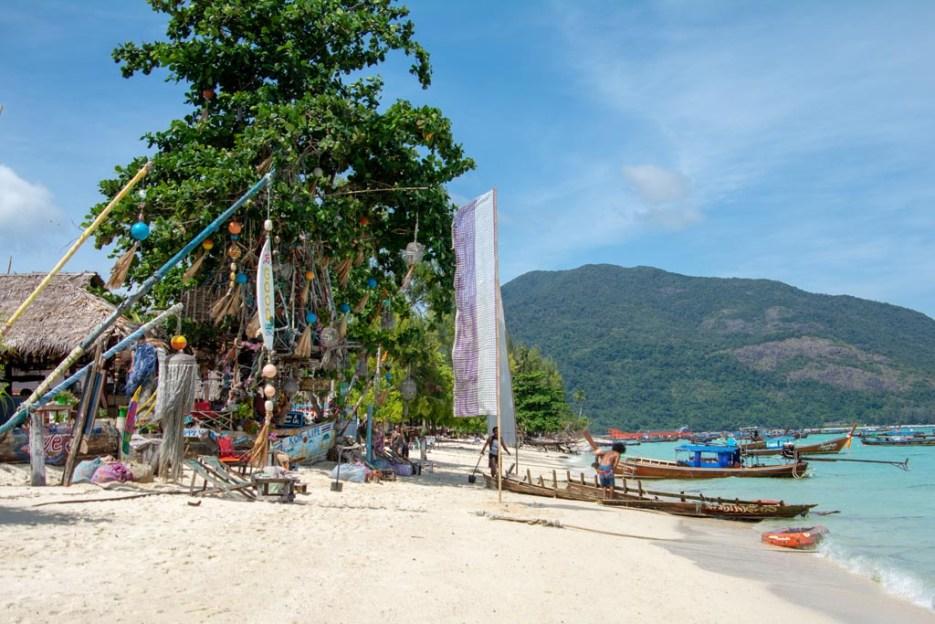 koh lipe beach bar sea la vie