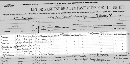 1909 Ship manifest showing the Navas family's arrival.