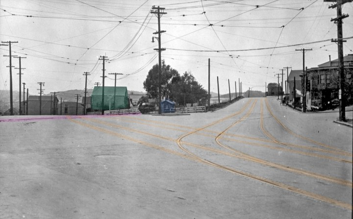 The Sunnyside Crossing, 1919. Now paves, but gatekeeper's house still there (blue).  Photo courtesy Ken Hoegger.