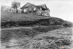 1915. The Mangels Slide. Looking northeast on the 600 Block of Mangels; house is 618 Mangels. OpenSFHistory.org