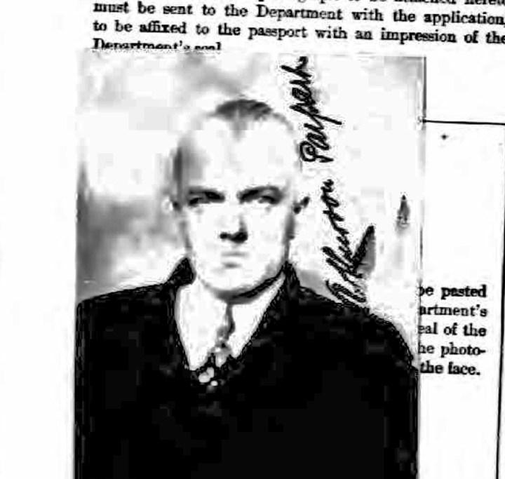 1921 Passport photo, Arthur von Parpart. Ancestry.com.