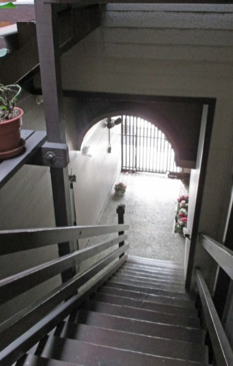 2019. Open-air entry way and stairwell, 420 Monterey. Photo: Amy O'Hair.