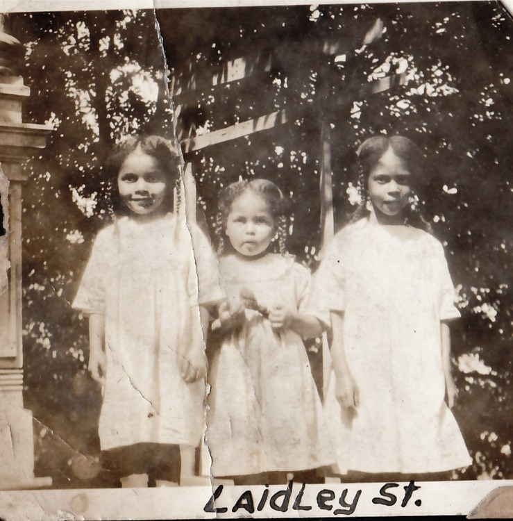 1919c. Eleanor, Marian, and Frances Hinds, granddaughters of Frances and Bertram Tyrrel, in front of the Laidley Street house. Courtesy Charles Reid/Ivy Reid Collection.