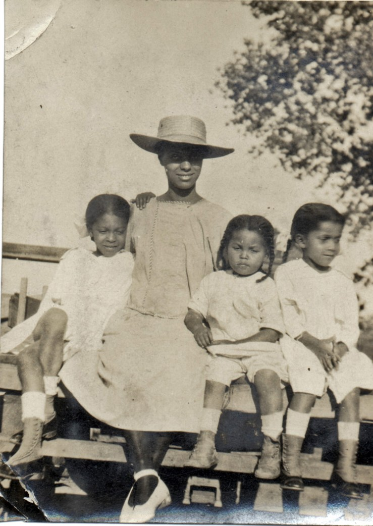 1919c. Frances Hinds, Irma Reid, Marian Hinds, and Eleanor Hinds, Farmersville. Courtesy Charles Reid/Ivy Reid Collection.
