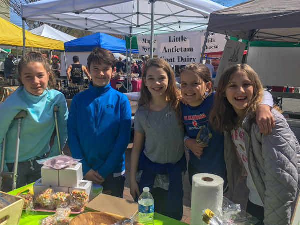 Food drive bake sale