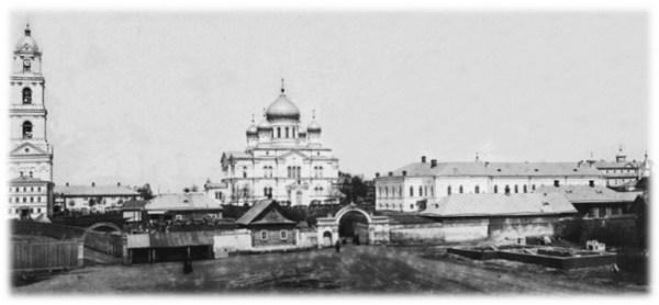 Дивеевский монастырь перед разорением.