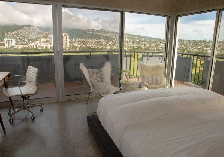 guestbedroom_fromdoor