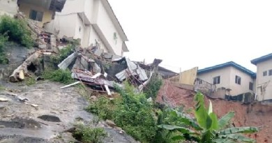 Happening Now: Persons trapped as building collapses in Ikoyi
