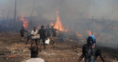 Residents scamper for safety as big fire sweeps through Oko-Baba Sawmill (PHOTOS)