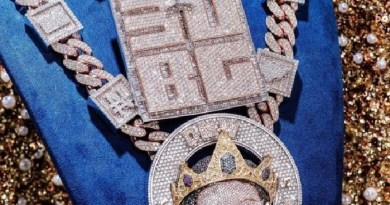 Davido breaks bank to buy diamond necklace worth $400,000, with son's image