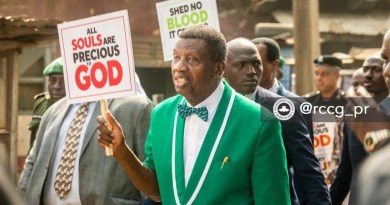 Nigerians react as Pastor Adeboye leads nation-wide protest against killings in Nigeria