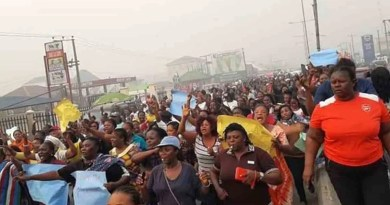 Mass protests in Bayelsa over Supreme Court ruling that sacked Lyon
