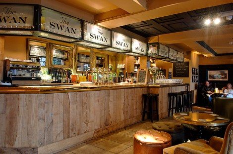 DRINK: The Swan, 2 The Green, Broadway, Worcestershire, WR12 7AA
