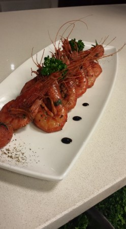Acqua strives to offer customers genuine food, efficient and attentive service in a relaxing atmosphere
